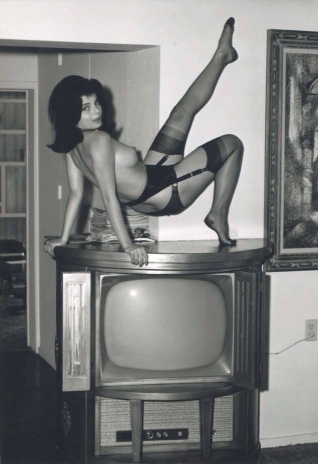 In reggicalze sopra la tv