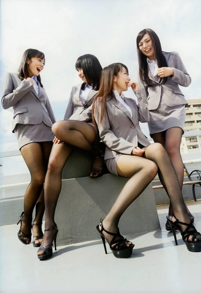Quattro ragazze in collant