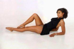 Ebony in pantyhose