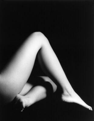 Gambe e piedi nudi